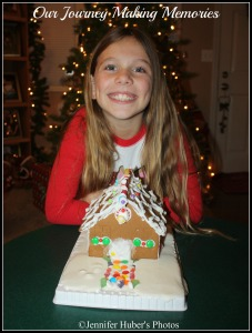 Gingerbreadhousecollage2 tutorial 2014